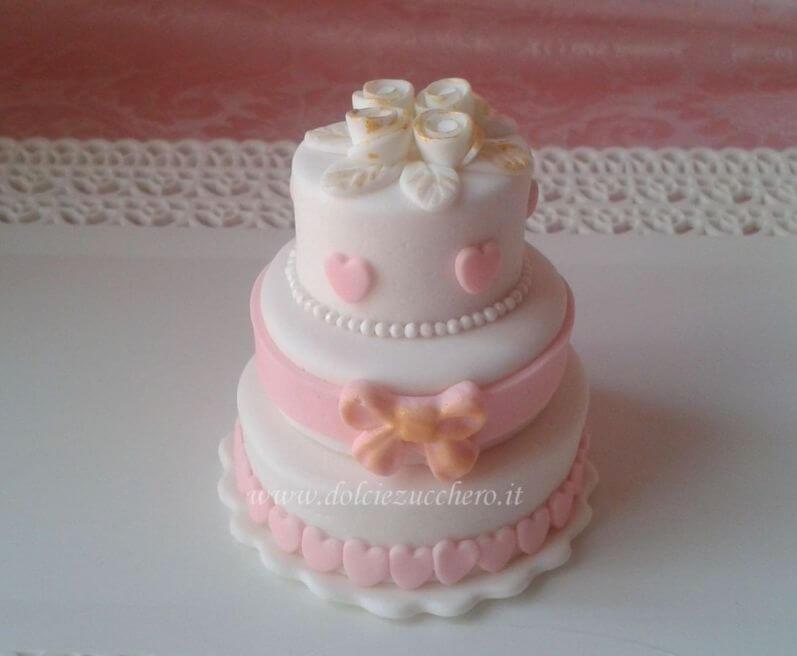 Segnaposto Matrimonio Pasta Di Zucchero.Romantiche Minicake In Pasta Di Zucchero Per Matrimonio Dolci E